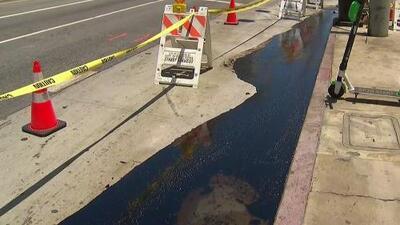 Preocupación entre comunidad de Miracle Mile por derrame de crudo que genera mal olor e invade las vías