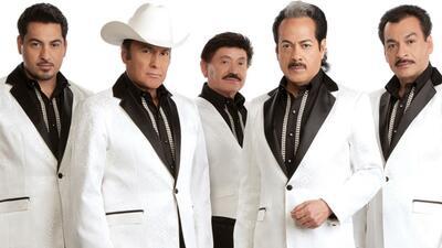 Los Tigres del Norte vs. Banda El Recodo en la noche de los Grammy