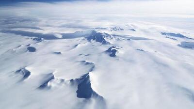 Científicos advierten que la contaminación por microplásticos se ha propagado por el aire