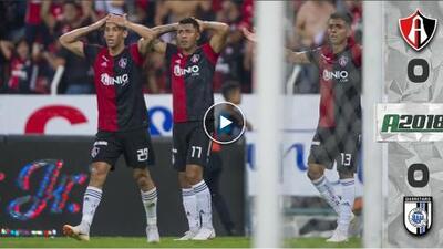 Postes, penal fallado y gol anulado evitan el triunfo de Atlas