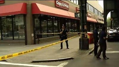 Hombre muere baleado en el pecho en Queens