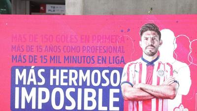 Así se vivió la presentación de Oribe Peralta con su nueva piel, la de Chivas