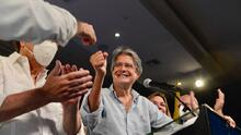 Exbanquero Guillermo Lasso vence en las elecciones presidenciales en Ecuador