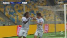 ¡No se queda con las ganas! Rodrigues marca de penal y pone el 3-0