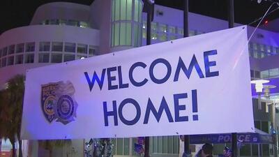 En medio de aplausos fueron recibidos los rescatistas de Miami Beach que asistieron a los damnificados por Michael