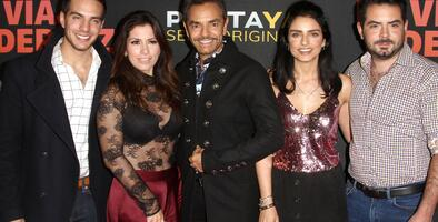 Eugenio Derbez anuncia la segunda temporada del reality familiar 'De viaje con los Derbez'