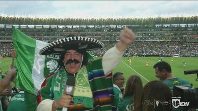 ¡Kevin Arnulfo con la afición! Así se vivió la Final entre León y Tigres en las gradas del Nou Camp