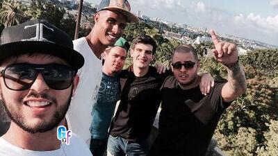 Adriel Favela celebró su cumpleaños en Cuba y hasta grabó un próximo éxito