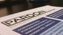 Esta organización sin fines de lucro ayuda a inmigrantes en peligro de deportación a obtener el indulto