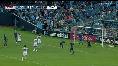 Espantosa falla de Jesús Medina, el paraguayo voló el balón cuando estaba sólo y sin portero