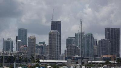 Miami se prepara para un martes con chubascos y tormentas eléctricas
