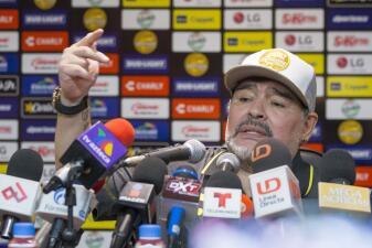"""""""Creí que estaba en la cancha de Boca"""" y más de las mejores frases de Maradona tras su debut en Dorados"""