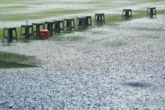 Estadio convertido en alberca: así se vivió la tormenta que aplazó el Monterrey vs. Zacatepec