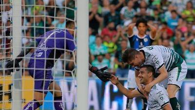 """Alcoba: """"De ninguna manera le festejaría un gol a Pumas"""""""