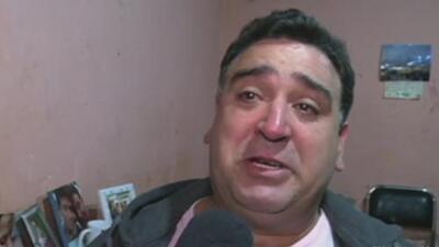 """""""Nunca me dejaron poder abrazar a mi hijo"""", entre lágrimas dice el argentino deportado por ICE"""