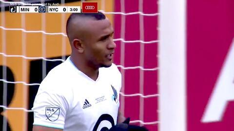 Ángelo Rodríguez falla solo frente al portero y se pierde el primer gol de Minnesota United