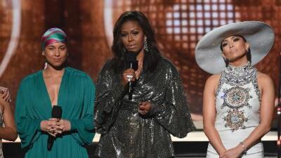 """""""La música siempre me ayudó a contar mi historia"""": Michelle Obama realiza una aparición en los premios Grammy"""