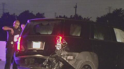Un conductor y un oficial de policía resultaron heridos en un accidente de tráfico en la Autopista 99