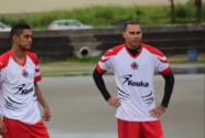 El 'Gullit' Peña ya se reportó y entrenó con el Tiburón en El Puerto