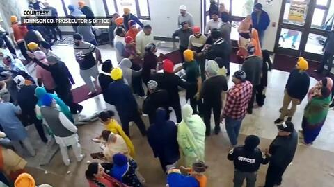 En video: La batalla campal que se desató en un centro religioso de Indiana