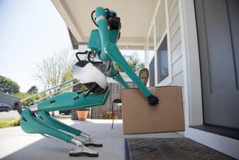 Los robots que entregarán paquetes en vehículos autónomos (fotos)