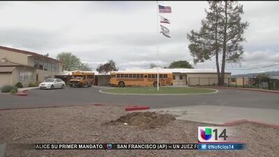 Arrestan a educador de Petaluma enfrenta cargos por presuntamente publicar una foto de una estudiante en un foro de pornografía