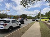 """Tiroteo en Austin deja al menos tres muertos: la policía identifica al sospechoso y advierte que puede """"tomar rehenes"""""""