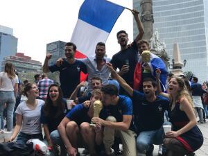 El Ángel de la Independencia se vistió de campeón con la fiesta de Francia