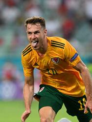 Gales logra derrotar 2-0 a Turquía en su partido inaugural del Grupo A en la Euro 2020. Con goles de Aaron Ramsey y Connor Roberts, los 'Dragones' suman sus tres primeros puntos en la tabla. Gareth bale hizo doble asistencia pero falla penalti.