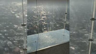 Para morirse de miedo: se resquebraja el piso de cristal de la famosa Torre Willis en Chicago