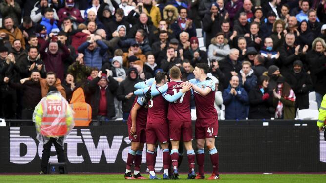 La afición de la Premier League volverá a los estadios