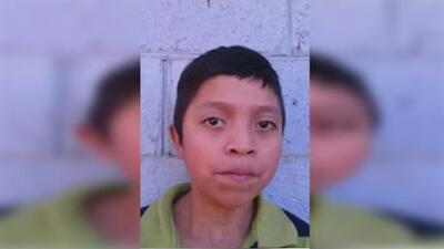 Familia del adolescente que murió bajo custodia de ICE asegura que lo tenían encerrado en una bodega