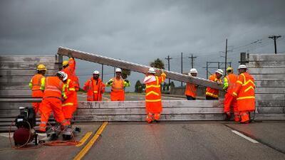 Teléfonos, refugios y rutas de evacuación ante la llegada del huracán Harvey a Texas