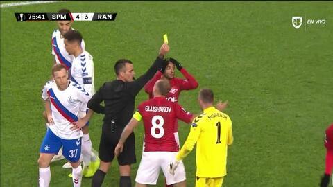 Tarjeta amarilla. El árbitro amonesta a Lorenzo Melgarejo de Spartak Moscow