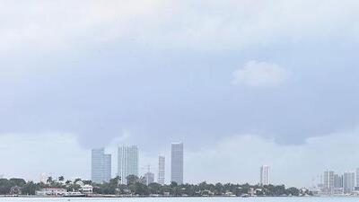 Lluvias y cielos nublados al finalizar la tarde de este miércoles en Miami