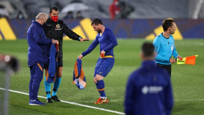 'Tembló' Messi: no aguantó el frío y debió cambiarse de ropa