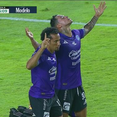 ¡Doble castigo a Querétaro! Gol de Sanvezzo y expulsión para Magallanes
