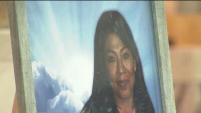 En medio del dolor y con una misa, familia de una hispana asesinada a balazos en Chicago sigue pidiendo justicia
