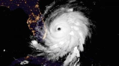 Dorian se aproxima a las costas de Carolina del Sur, mientras en Florida las condiciones mejoran