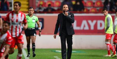 José Guadalupe Cruz está en vilo ante la lesión de Unaí Bilbao
