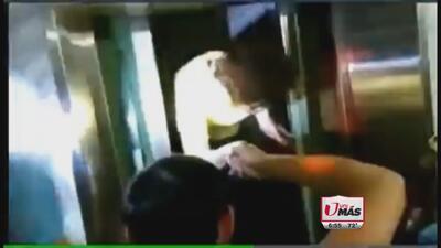 Rescatan a mujer de elevador tras terremoto