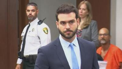 Pablo Lyle y sus abogados acuden a un tribunal a obtener una copia de la sentencia emitida en su caso