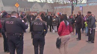 Autoridades se reunieron con la comunidad de South Shore tras siete asesinatos en 12 horas