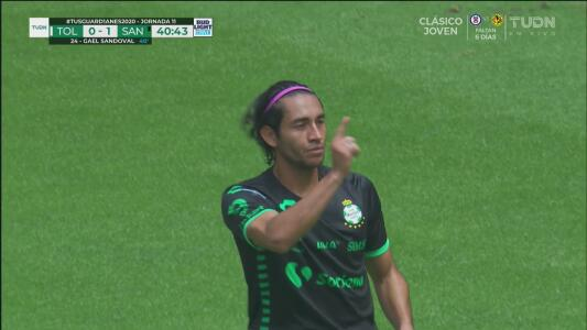 ¡Primero perdona, luego hace un golazo! Gael Sandoval pone el 0-1 del Santos de volea