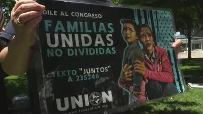Activistas en todo el país aprovechan el Día de la Madre para pedir un alto a la separación de familias inmigrantes