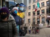 Retrasos en consulados latinoamericanos de Nueva York afectan ayudas para inmigrantes, revela investigación