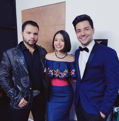 ángela Aguilar Revela El Secreto De Sus Vestidos Mexicanos
