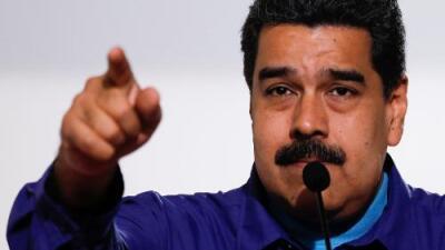 Dos bomberos venezolanos podrían ser condenados a 20 años de prisión por burlarse de Maduro con un burro