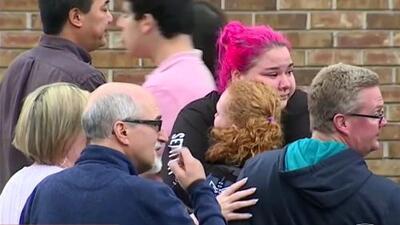 Pánico y desesperación: los dramáticos testimonios de estudiantes y padres tras tiroteo en una escuela de Colorado
