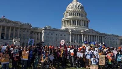 Llenos de incertidumbre: así esperan los beneficiarios de DACA y el TPS las decisiones que se tomarán en 2019